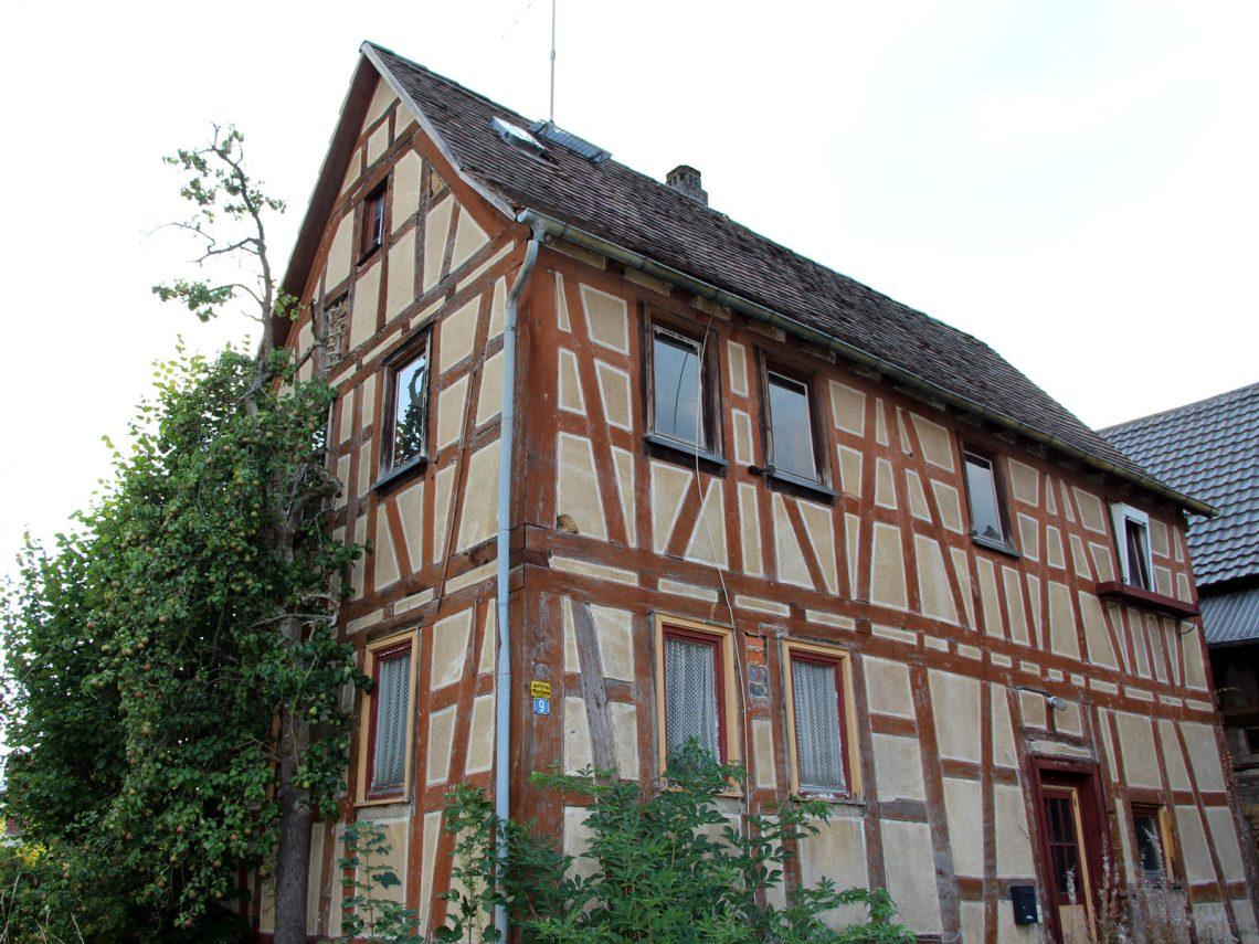 Denkmalgeschütztes Fachwekhaus Bachstraße 9, Gonterskirchen, Laubach