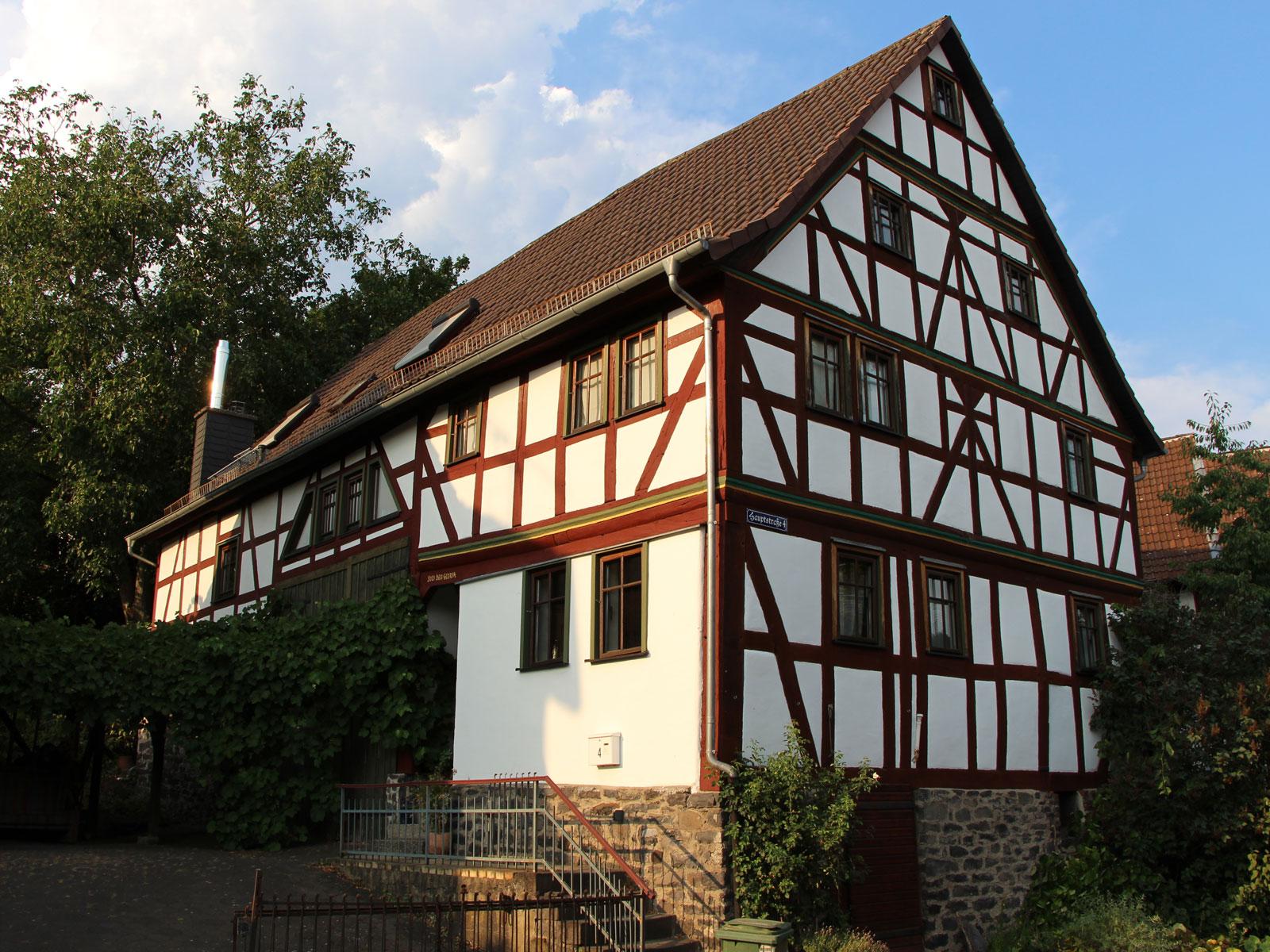 Denkmalgeschütztes Fachwekhaus Hauptstraße 4, Gonterskirchen, Kulturdenkmäler Laubach