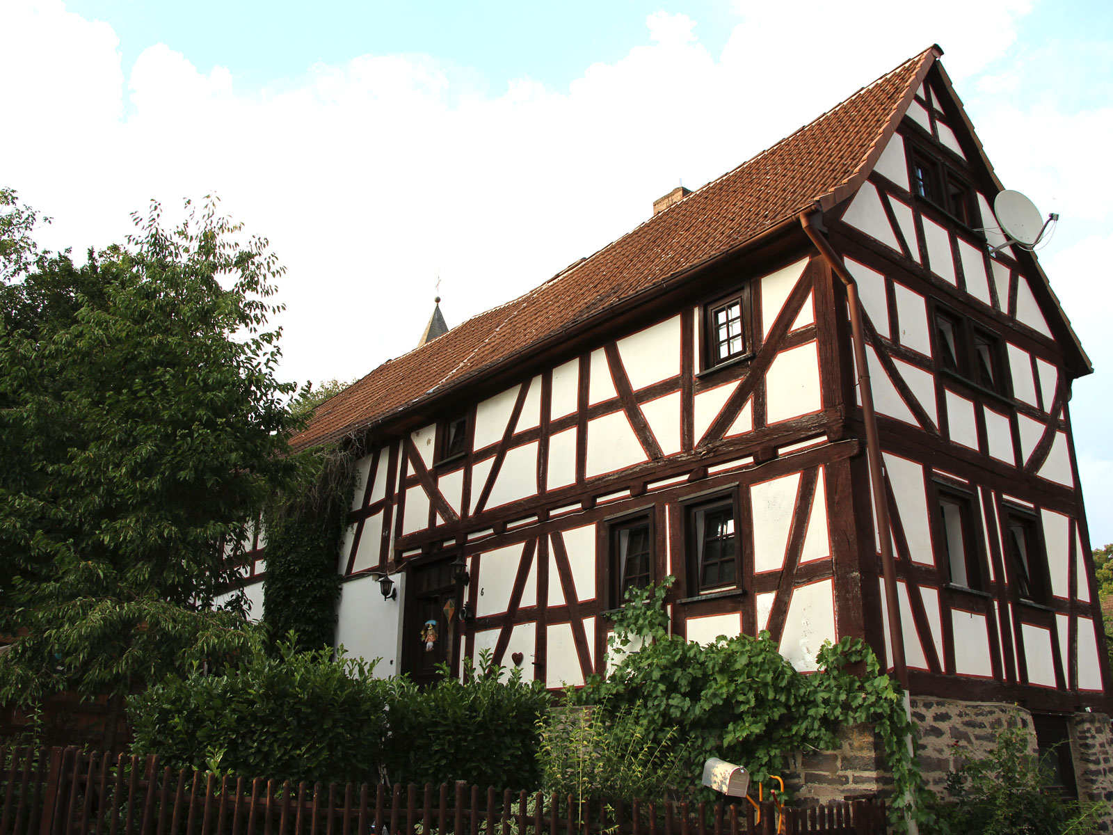 Denkmalgeschütztes Fachwekhaus Hauptstraße 6, Gonterskirchen, Kulturdenkmäler Laubach