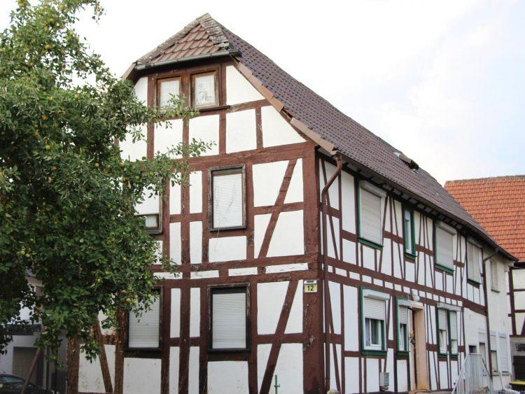 Denkmalgeschütztes Fachwerkhaus, Hauptstraße 12, Gonterskirchen, Kulturdenkmäler Laubach Kulturdenkmäler Laubach, Denkmalschutz,