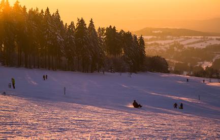 Rodeln und Skifahren am Hoherodskopf