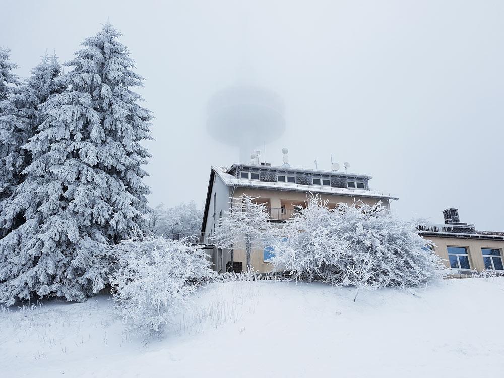 Hoherodskopf Restaurant Talblick Skigebiet, Ski, Schnee, Skifahren in Vogelsberg, Hessen Deutschland