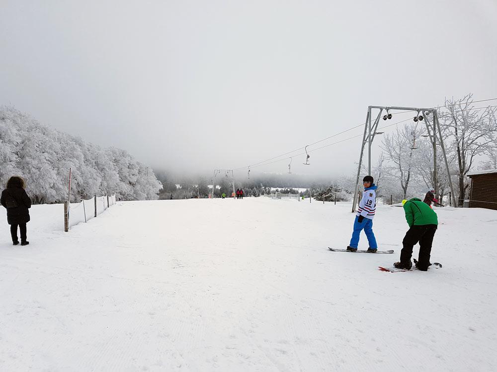 Skilift Skigebiet, Ski, Schnee, Skifahren in Vogelsberg, Hessen Deutschland