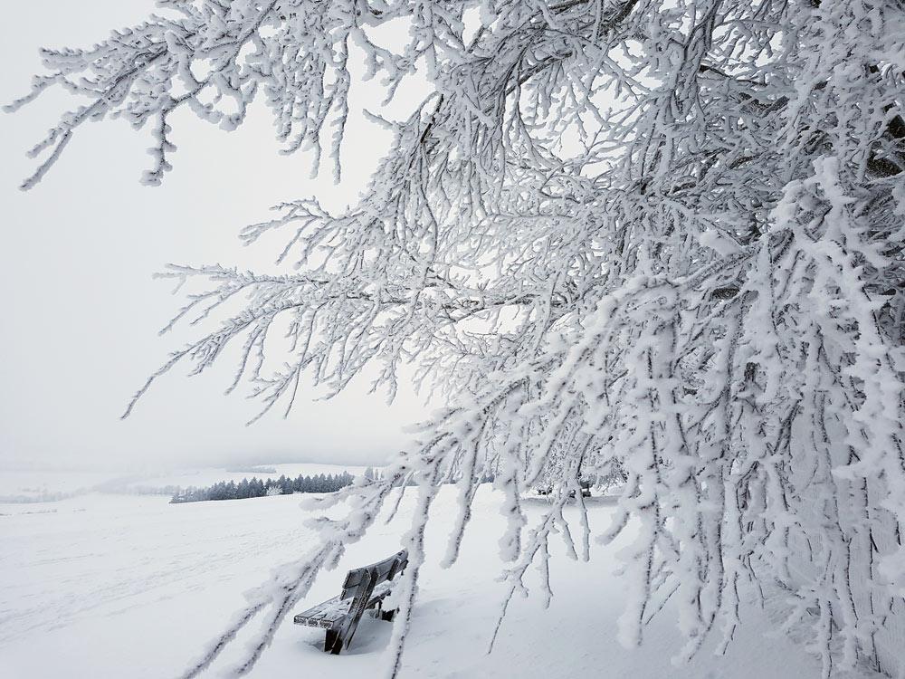 Schnee auf Hoherdorskopf Skigebiet, Ski, Schnee, Skifahren in Vogelsberg, Hessen Deutschland