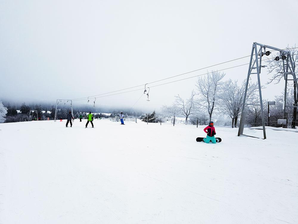 Skigebiet, Ski, Schnee, Skifahren in Vogelsberg, Hessen Deutschland, Skilifte auf Hoherodskopf in Vogelsberg